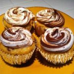 Simple Nutella Swirl Cupcakes