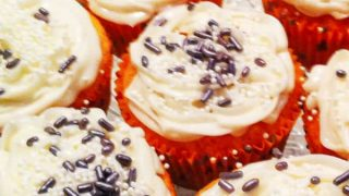 Easy Champagne Cupcakes