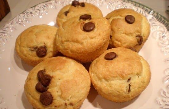 5 Ingredient Chocolate Chip Muffins