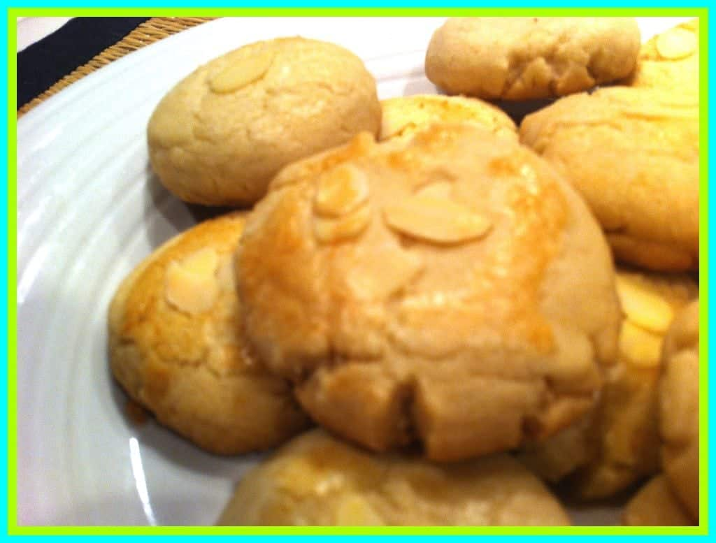 Easy Almond Cookies.jpg