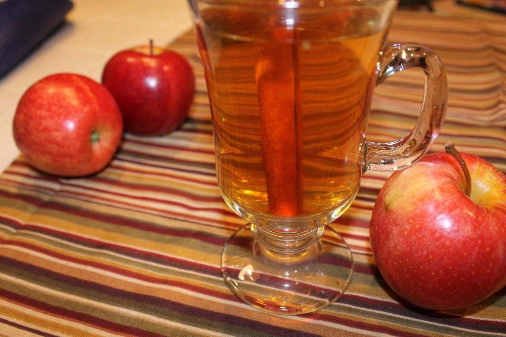 Simple Hot Apple Cider
