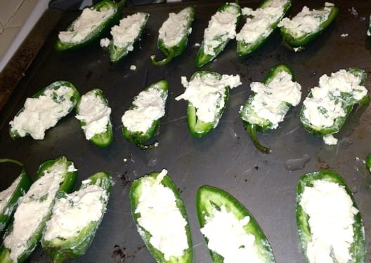 Stuffing-jalapeno-poppers