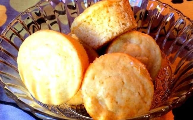 Simple-Pineapple-Muffins