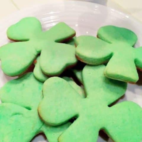 St.Patricks-Day-Shamrock-Dessert.