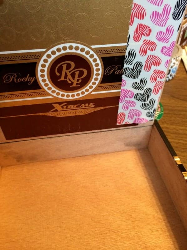 covering a cigar box