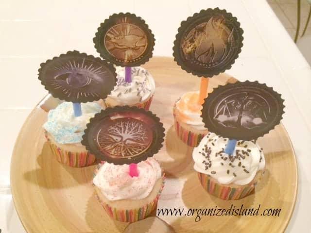 Divergent-movie-cupcakes