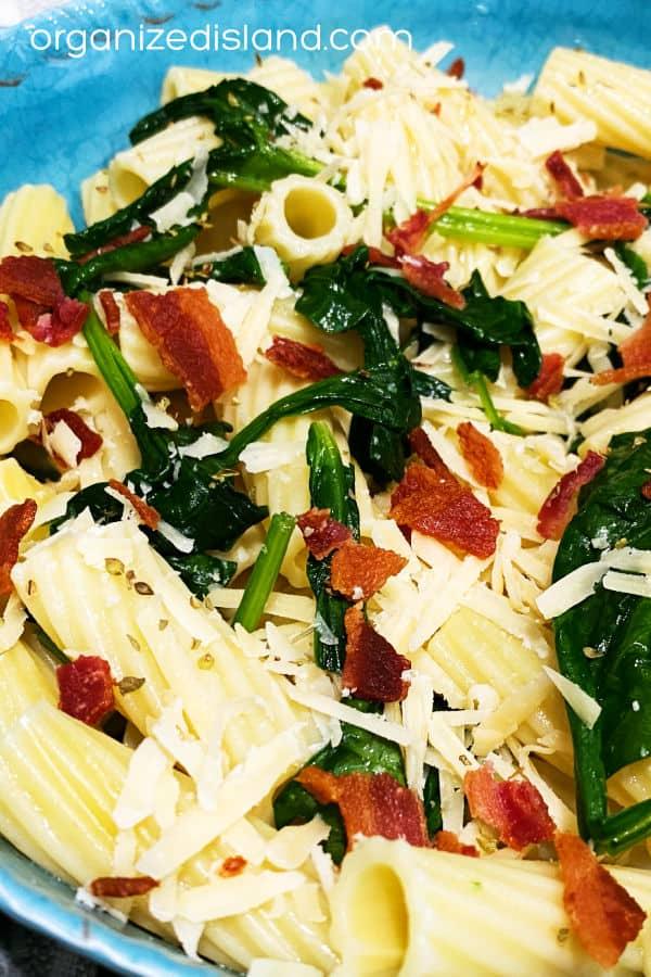 Bacon and Spinach Rigatoni Pasta Recipe