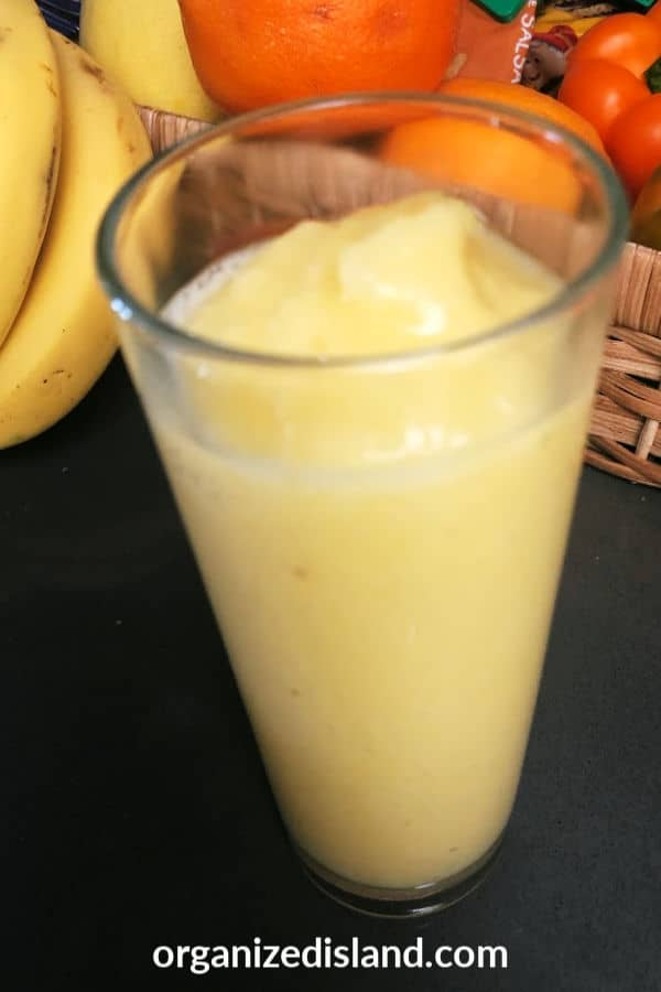 Mango smoothie with pineapple