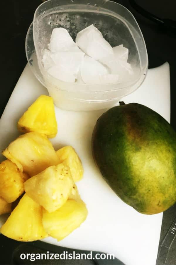 Pineapple Mango smoothie ingredients