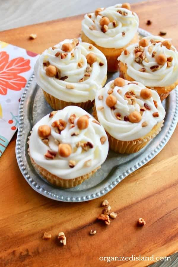 caramel pecan cupcakes