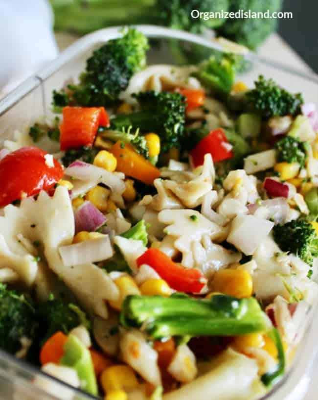 Broccoli salad tomatoes