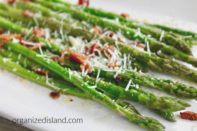 Asparagus with bacon and cheese