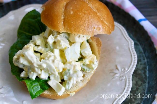egg salad sandwhich