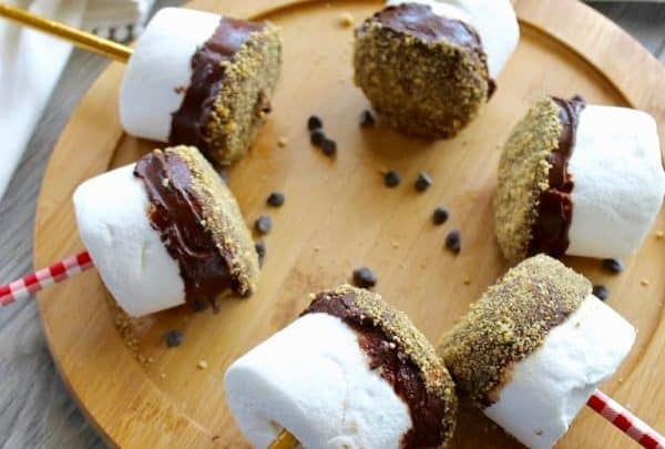 Chocolate Dipped Marshmallows with graham crackers