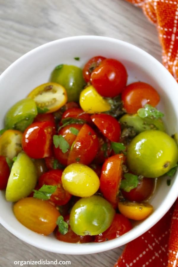 How to make a cherry tomato salad