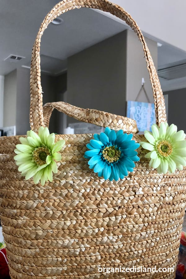 decorate straw bag with flowers