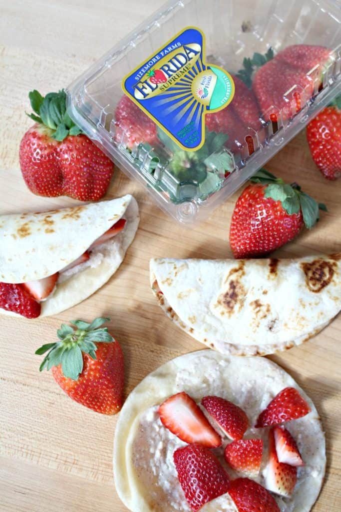 30+ Amazing Brunch Recipes with Fresh Fruit - Strawberry Breakfast Tacos