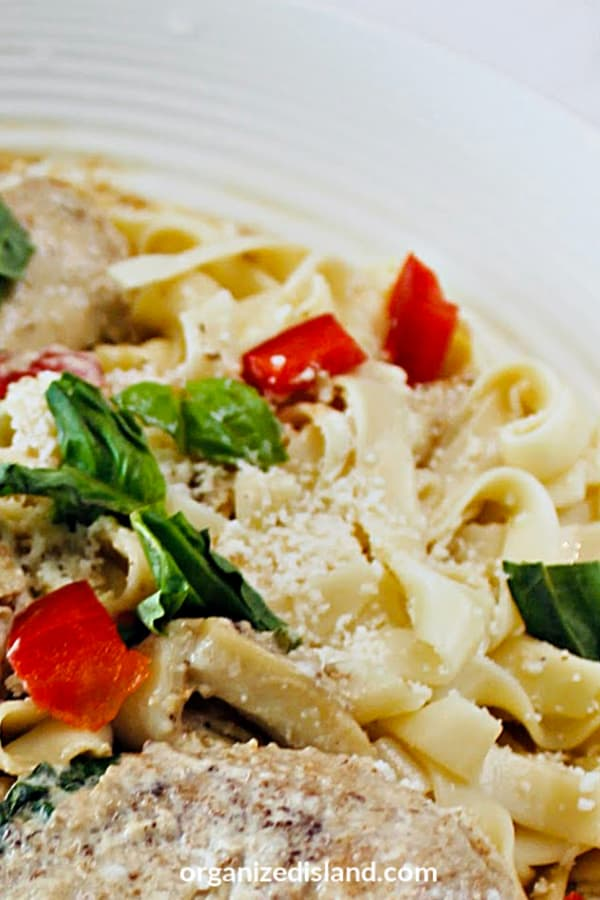 Pasta with Basil and Chicken