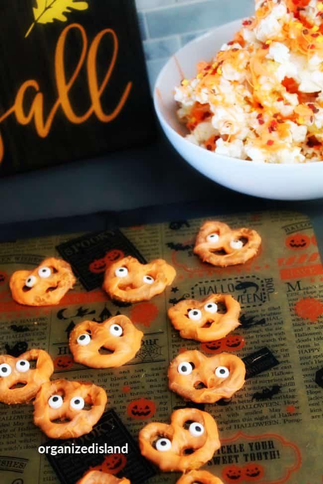 halloween candied pretzels