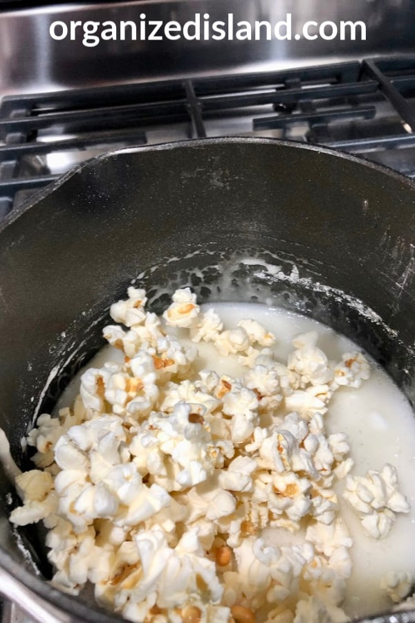 popcorn with marshmallows