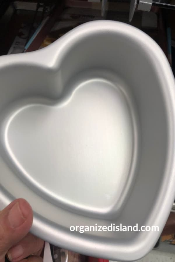 heart baking pan