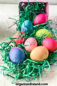 How to Dye Eggs with food coloring