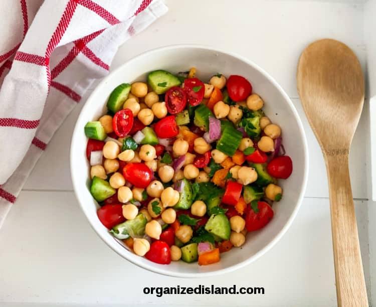 Easy Chickpea Salad Recipe