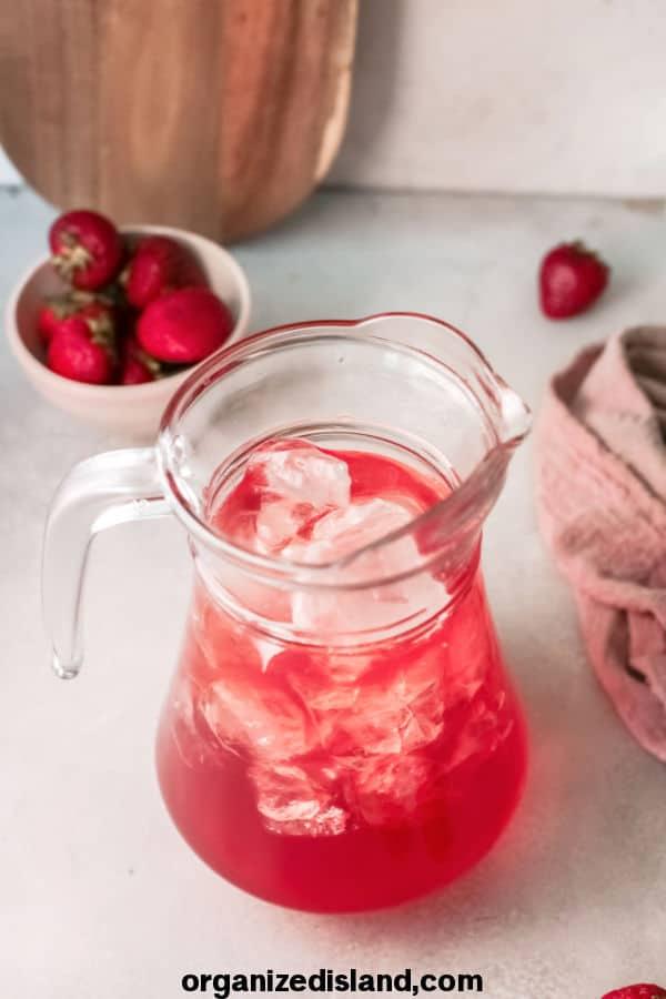 Easy Strawberry Sweet Tea Recipe