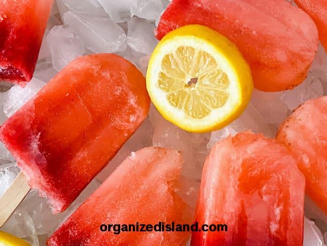 Easy Strawberry Lemonade Popsicles