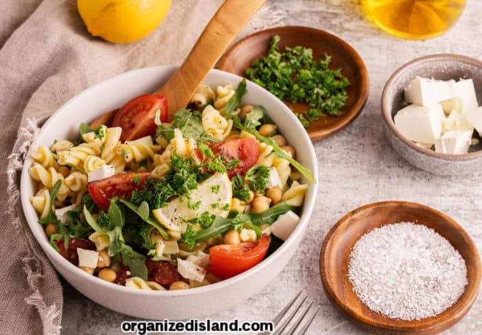 Easy Mediterranean Pasta SaladRecipe