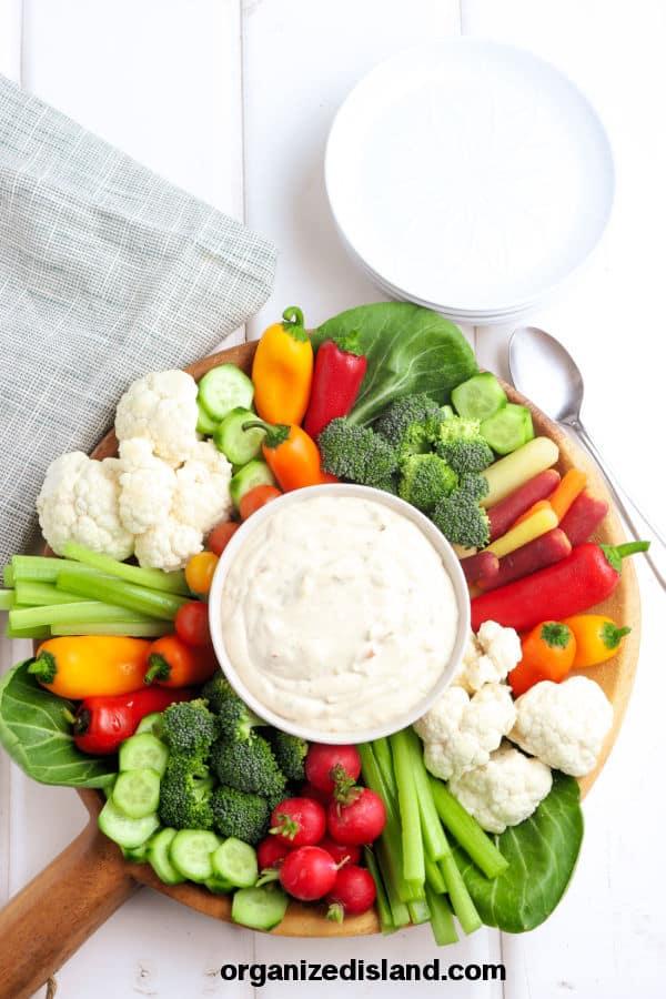 Vegetable Dip with fresh vegetables