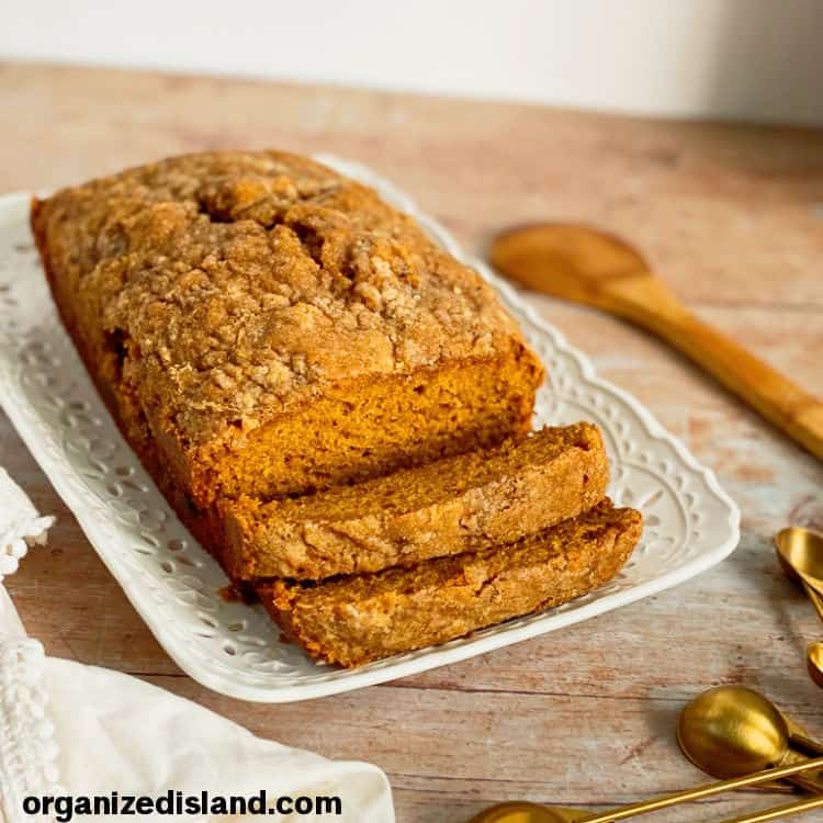 Simple Pumpkin Bread Recipe with topping