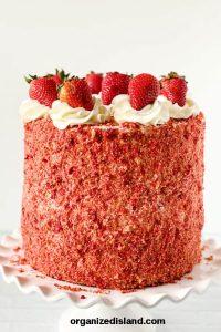Strawberry Crunch Cake Recipe