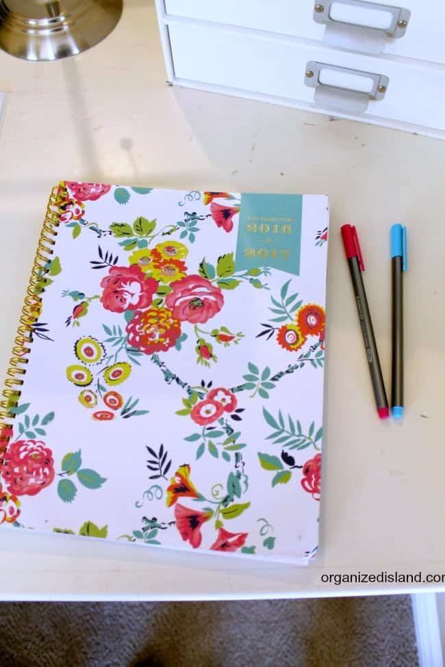 A look at several features to consider when choosing a planner for 2017