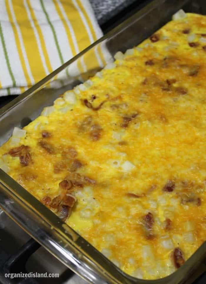 This easy bacon breakfast casserole is so easy and filling too!