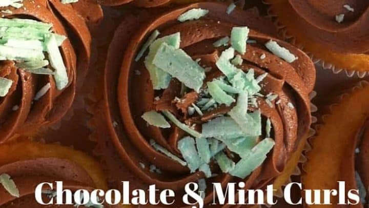 Make your own mint curls easily. Top some cupcakes with chocolate frosting and mint curls for a tasty combination!