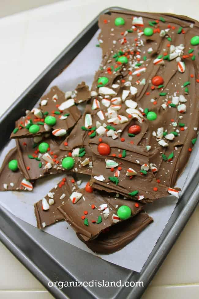 An Easy Holiday Bark Recipe for the holidays! Great for entertaining and gift giving!