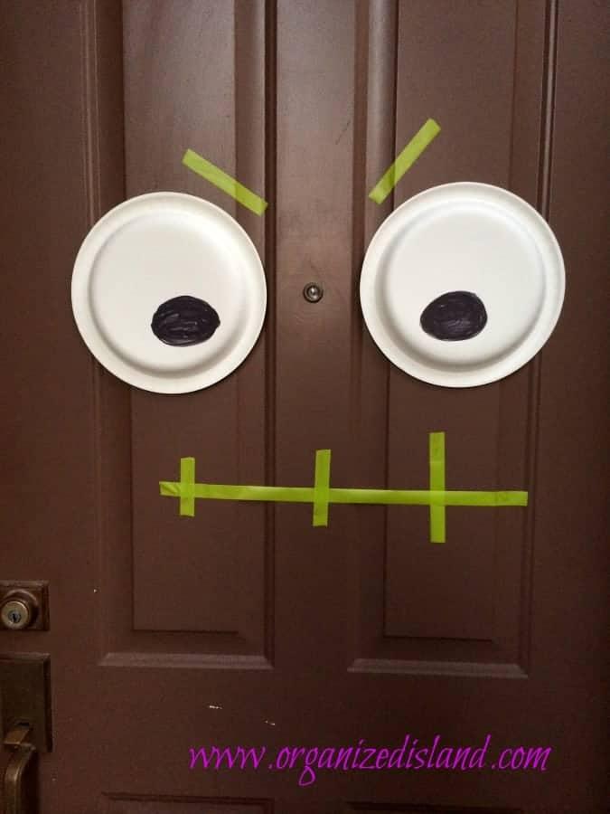 Halloween-spooky-door-idea