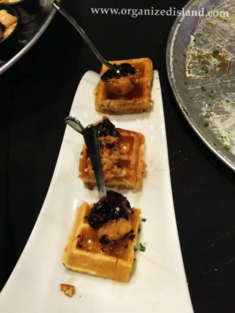 IndulgeLA-chicken-and-waffles