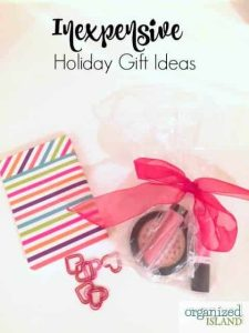 Looking for some inexpensive holiday gift ideas for friends, family, coworkers etc ? Check out this list - most items come out to be less than $3.