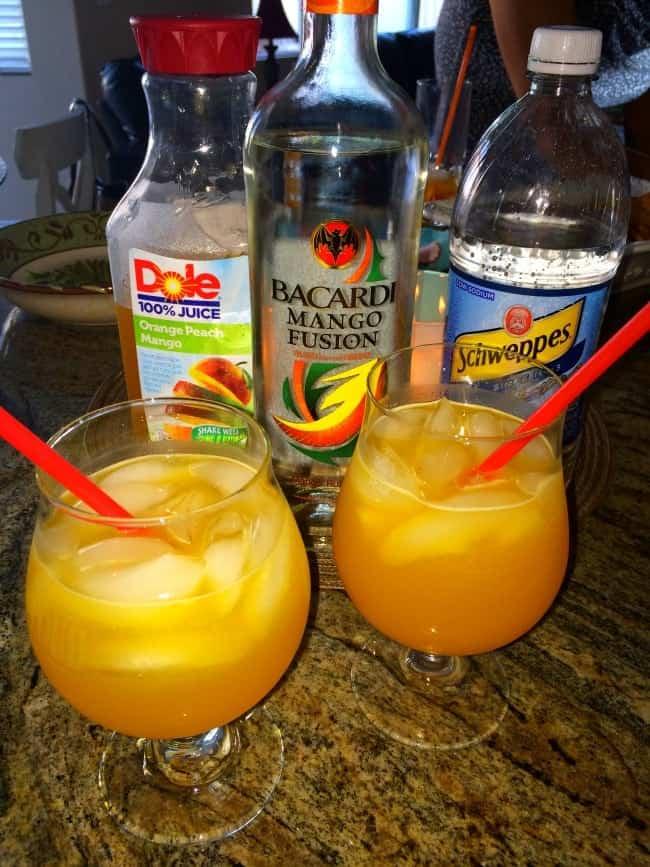 Summer-cocktail-mango-rum
