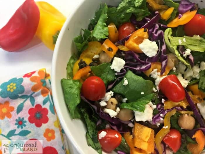 Tasty mediterranean salad recipe with garbanzo beans.