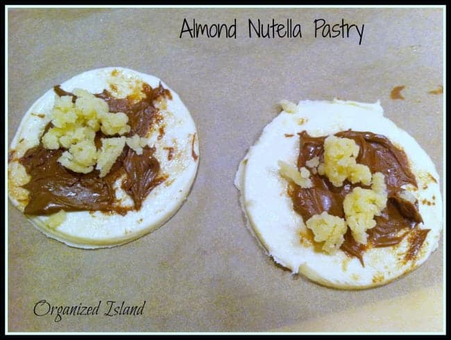Looking for a Nutella dessert recipe? This one is so easy that it is one of my favorite Nutella recipes. Try it!