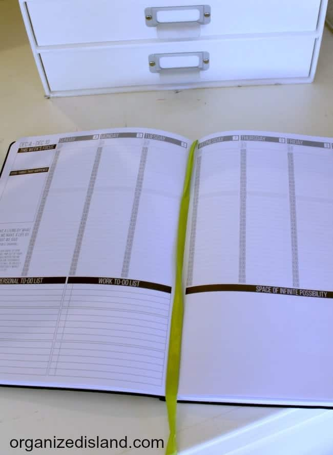 A look at several paper planners and their features.