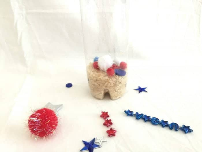 4th of July Craft idea - simple to make and fun for the kids!