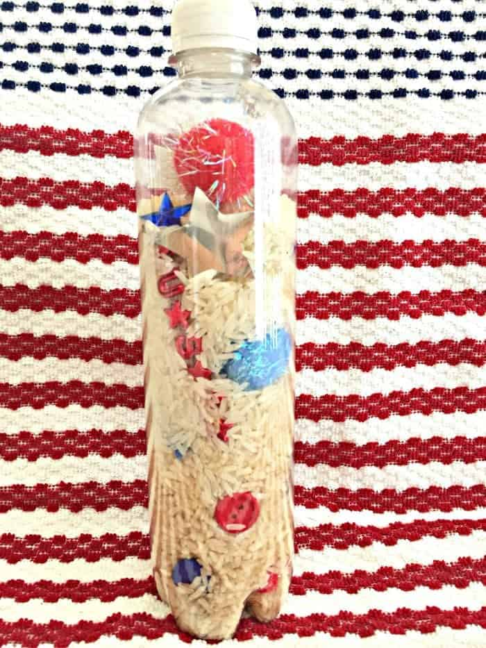 Simple 4th of July craft for kids. Great for a 4th of July centerpiece or activity for the kids to make.