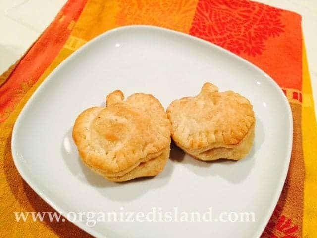 Mini apple tarts - so cute and easy to make!