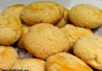 Incredibly easy almond cookie recipe - tastes authentic!
