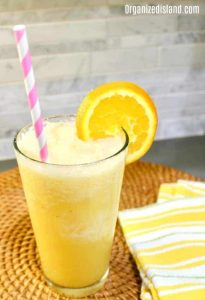 banana smoothie with orange juice