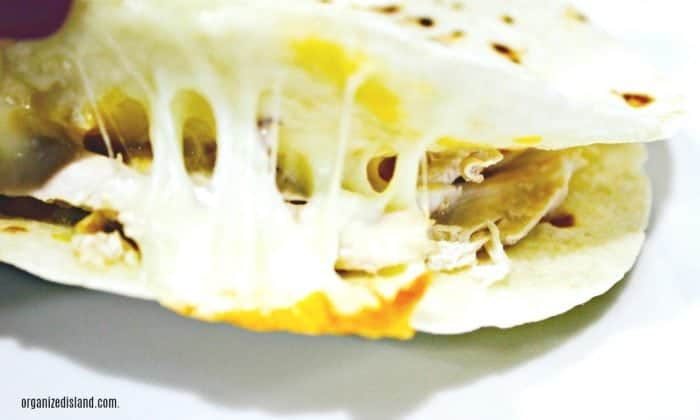 How to make a quick chicken quesadilla